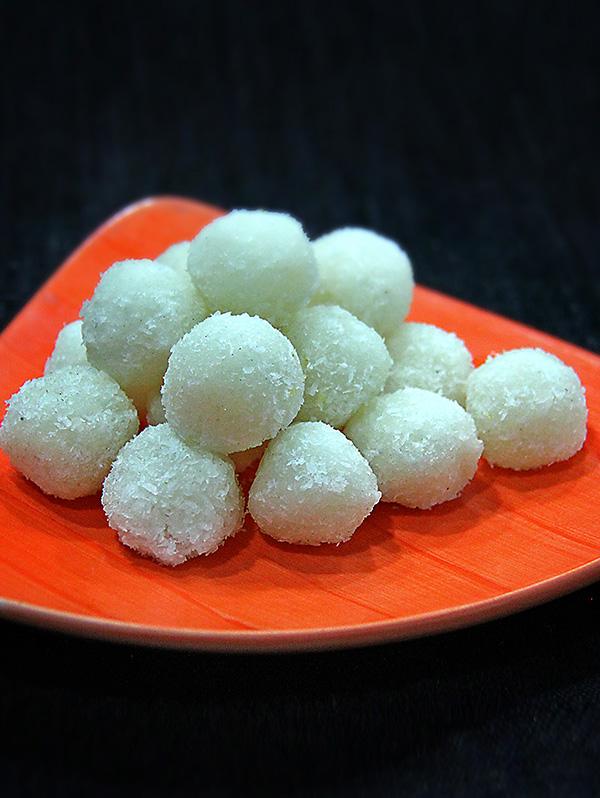 Coconut Ladoos Image